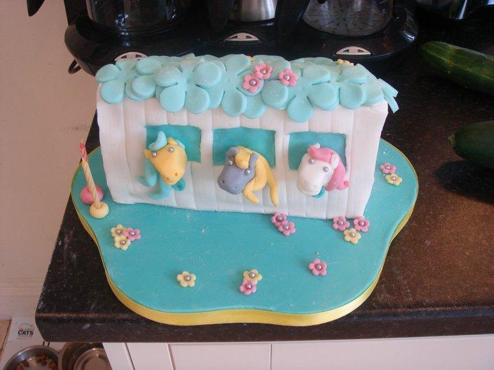 Pony cake 1